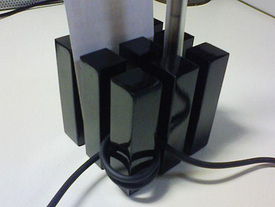 cube ケーブルホルダー